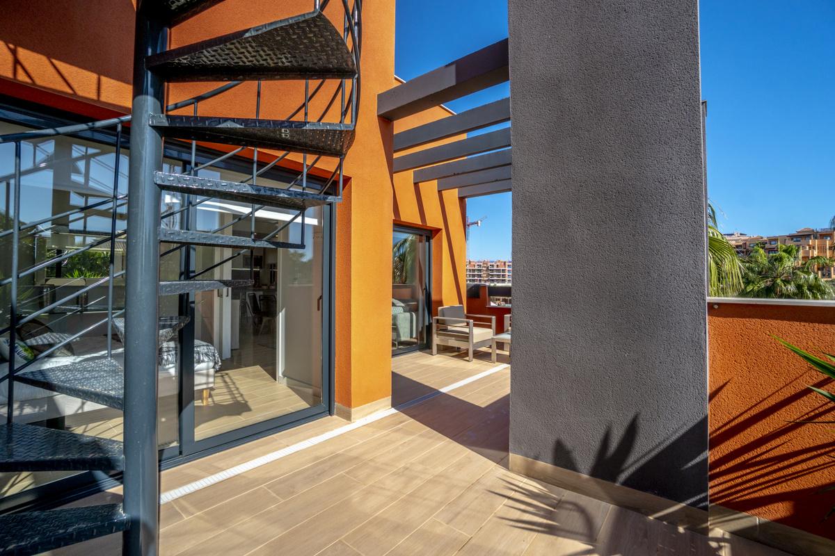 021 HD Corner Penthouse